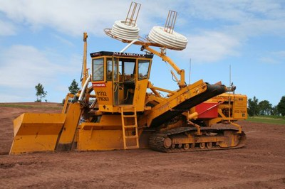 Dynapac 1800 chain trencher