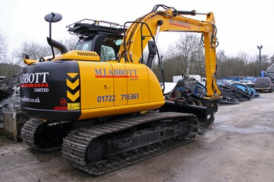 JCB JS130LC excavator - 13 tonnes