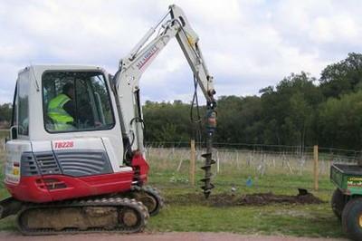 Takeuchi TB228 tracked excavator - 2.5 tonne