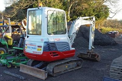 Takeuchi TB228 mini excavator - 2.5 tonne