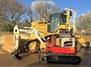 MJ Abbott take delivery of 3,000th Takeuchi excavator sold in 2017