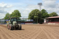 Spreading fibre-rootzone on pitch