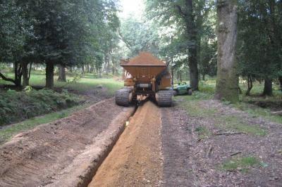 Tracked gravel cart