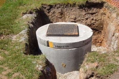 Construction of gravity manhole
