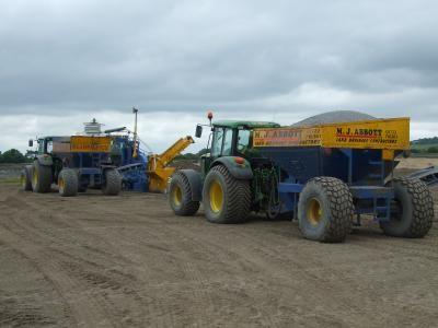 Primary drainage installation - gravel carts