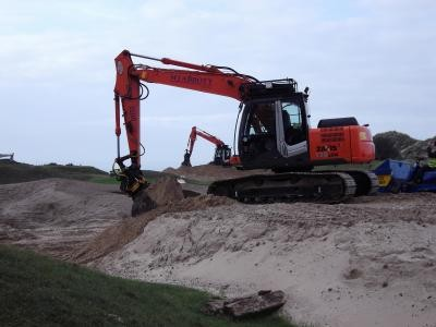 Shaping 12th Green dune surrounds