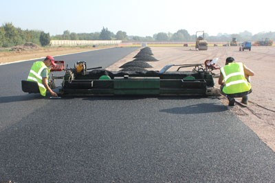Laying 3G rubber shockpad layer