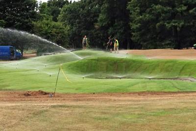Mist irrigation to bunker turfing