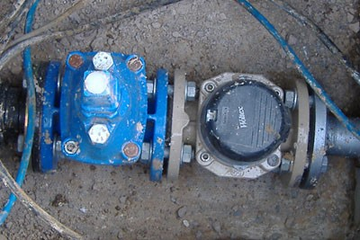 Water meter and isolation valve