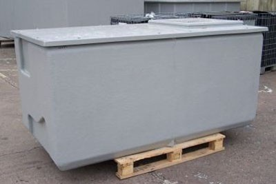 Precolor pre-insulated water storage tank