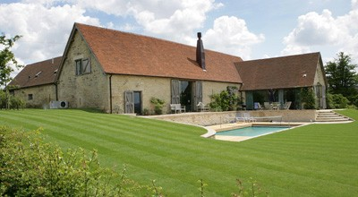 Hard and soft landscaping around a new barn conversion