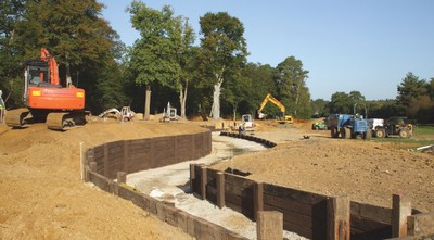 Construction of water feature at the 18th, West Course, Wentworth